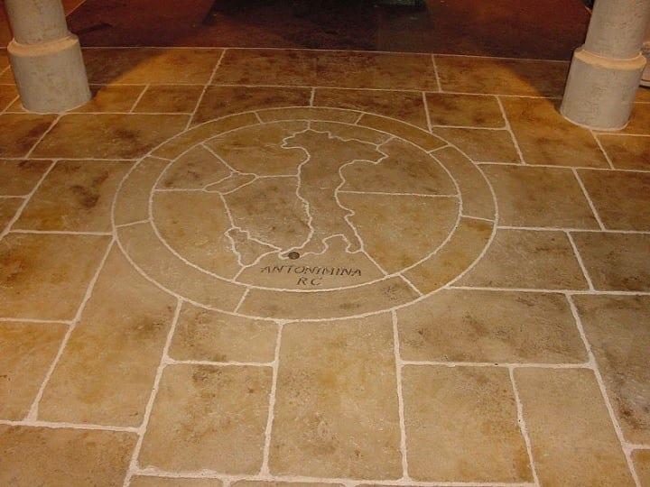Floor Pietro Entry